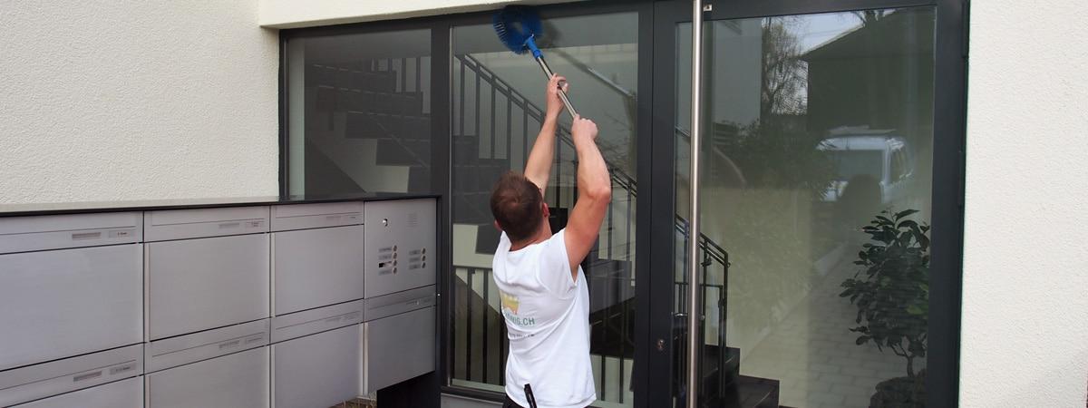Gebäudereinigung Fenster und Fassaden putzen